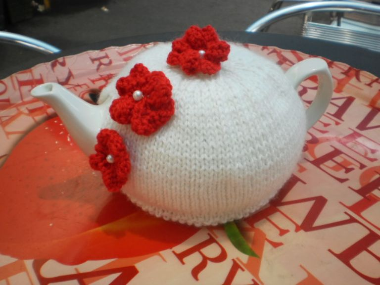 Elegant White - Tea Cozy